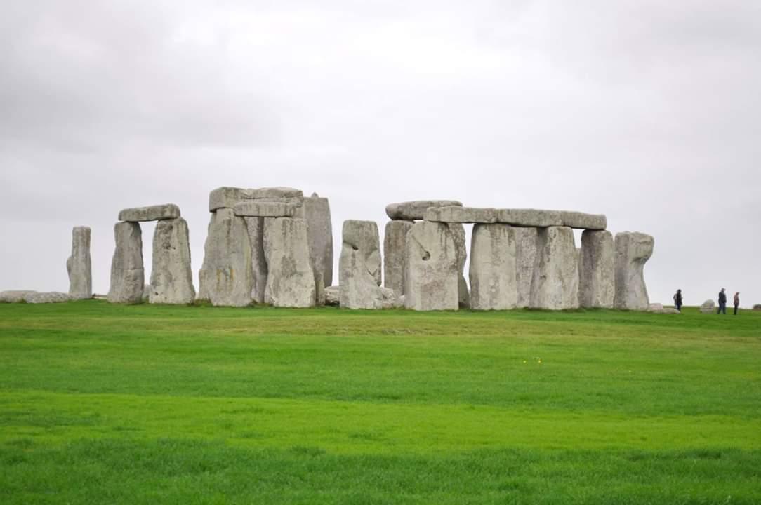 """🔴 เยือน """"Stonehenge"""" สิ่งมหัศจรรย์ของโลก ปริศนาที่ยังหาคำตอบไม่ได้"""