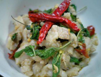 😋 เช็คอินความอร่อย! : อาหารสิ้นคิดแต่อร่อยแบบไม่ต้องคิด #กระเพราหมูพริกแห้ง